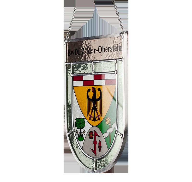 Sonderanfertigung: Seitliche Aufnahme des Glaswappens für das Bundeswehr Dienstleistungszentrum Idar-Oberstein