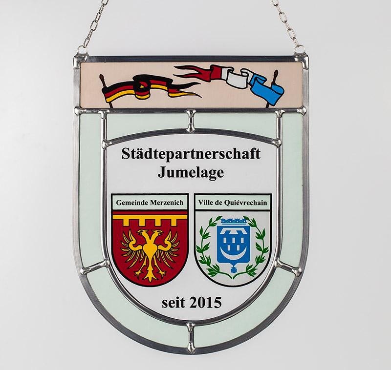 Sonderanfertigung: Glaswappen für die Städtepartnerschaft Jumelage mit den Partnerstädten Merzenich und Ville de Quiévrechain.